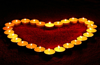 Candle-Light-Trauung©pixabay